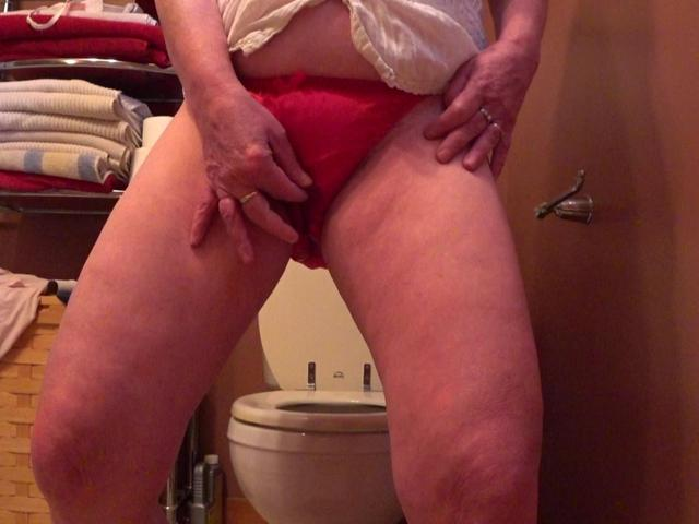 CougarBabeJolee - Pissing Panties For Your Mouth