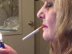 CougarBabeJolee - Side View Smoking Closeup HD Video