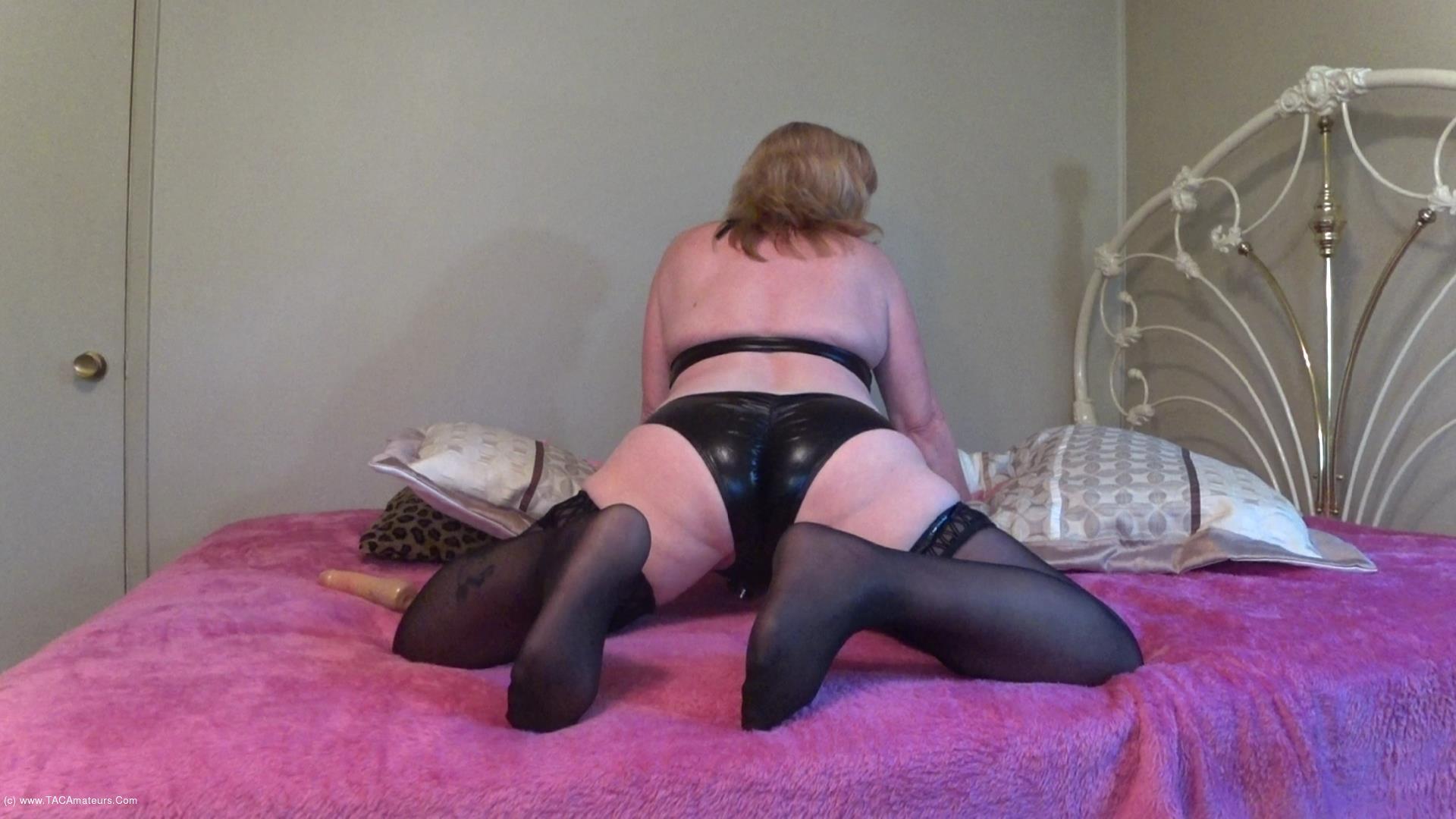 CougarBabeJolee - PVC Panty Worship scene 3