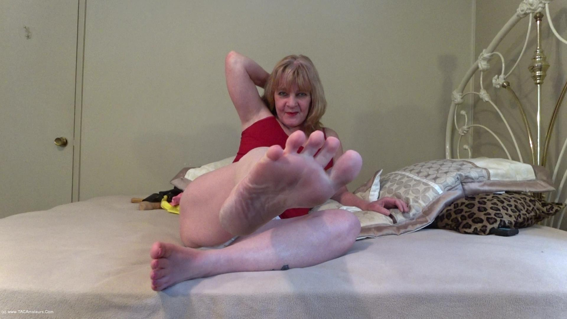 CougarBabeJolee - Pamper My Pretty Bare Feet scene 0