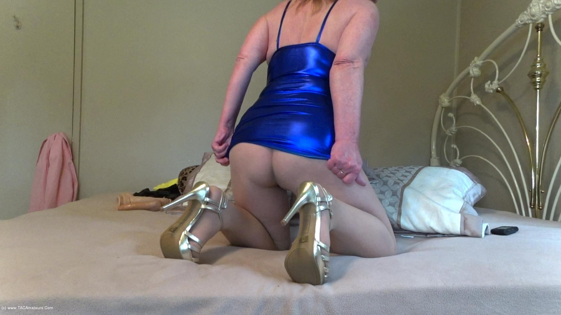 CougarBabeJolee - Sultry In PVC & Pantyhose Pt1 scene 2