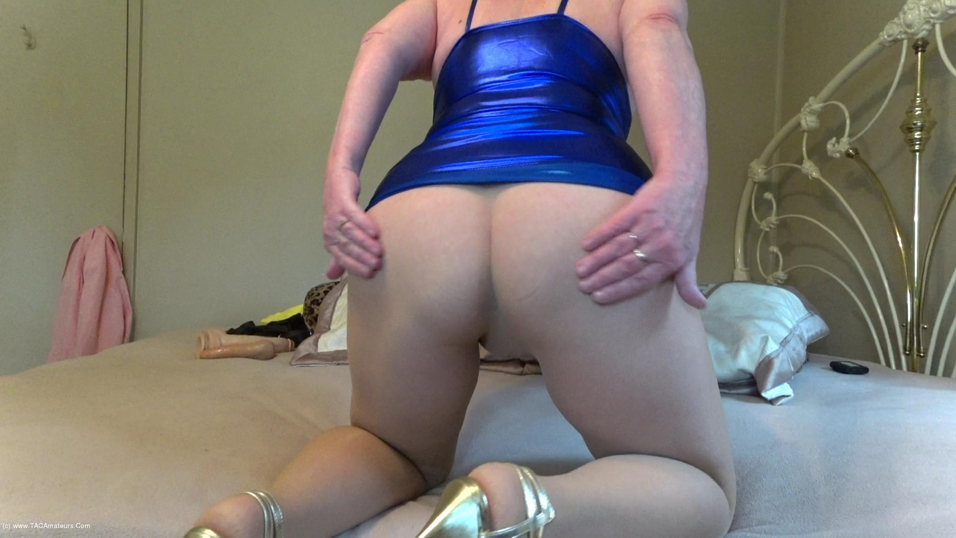 CougarBabeJolee - Sultry In PVC & Pantyhose Pt1 scene 3