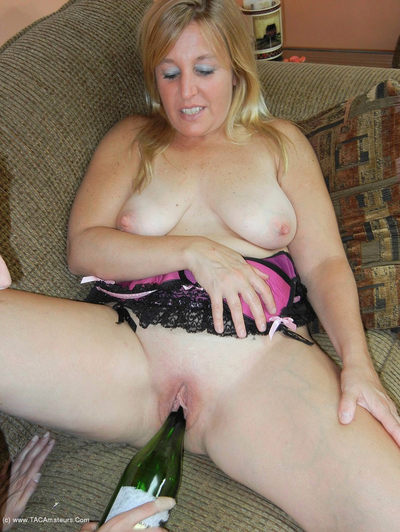 LavenderRayne - 2 horny lesbos with a bottle video scene 2