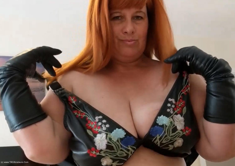 MrsLeather - Titty Fucking A Neighbour Pt1 scene 2
