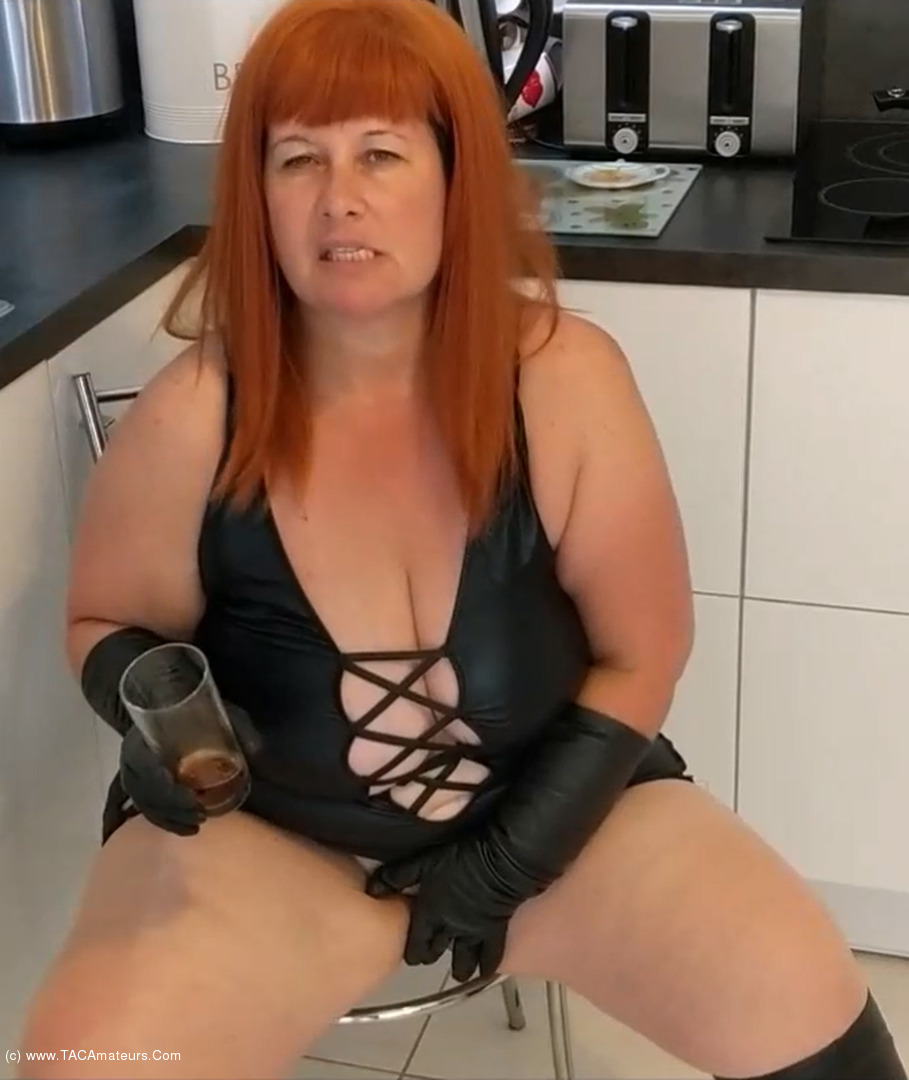 MrsLeather - Mrs Leather Gets Sloshed Pt1 scene 1