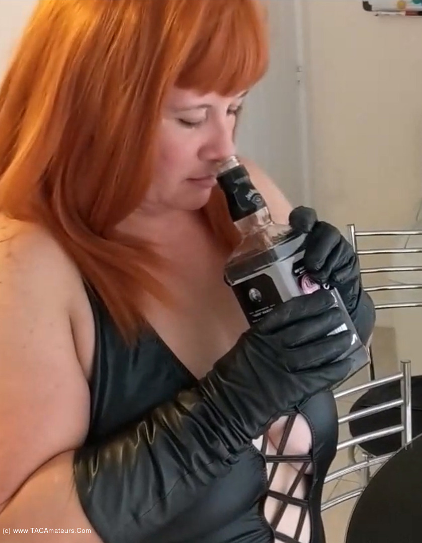 MrsLeather - Mrs Leather Gets Sloshed Pt2 scene 2