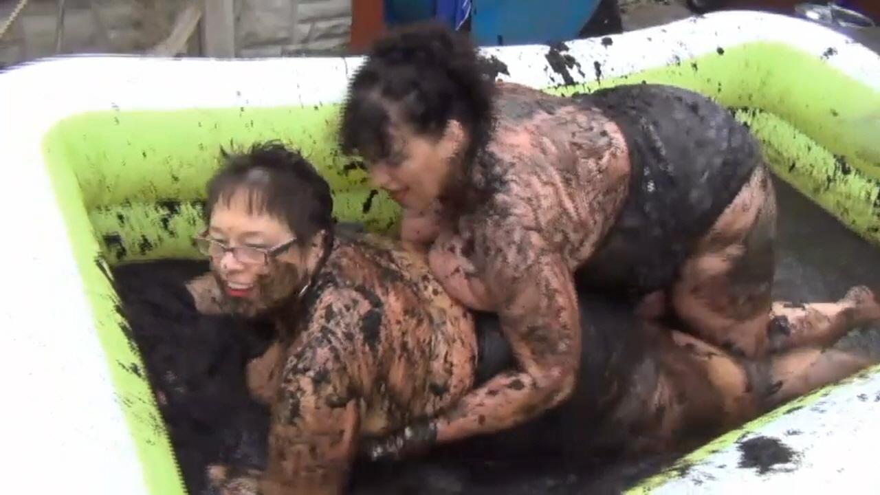 KimsAmateurs - Kim & Honey Mud Wrestling Pt2 scene 0