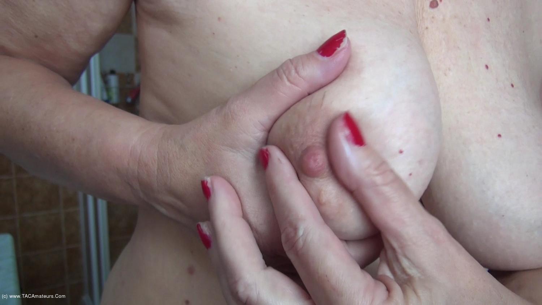 AbbyRoberts - Body Lotion On My Tits Pt1 scene 3