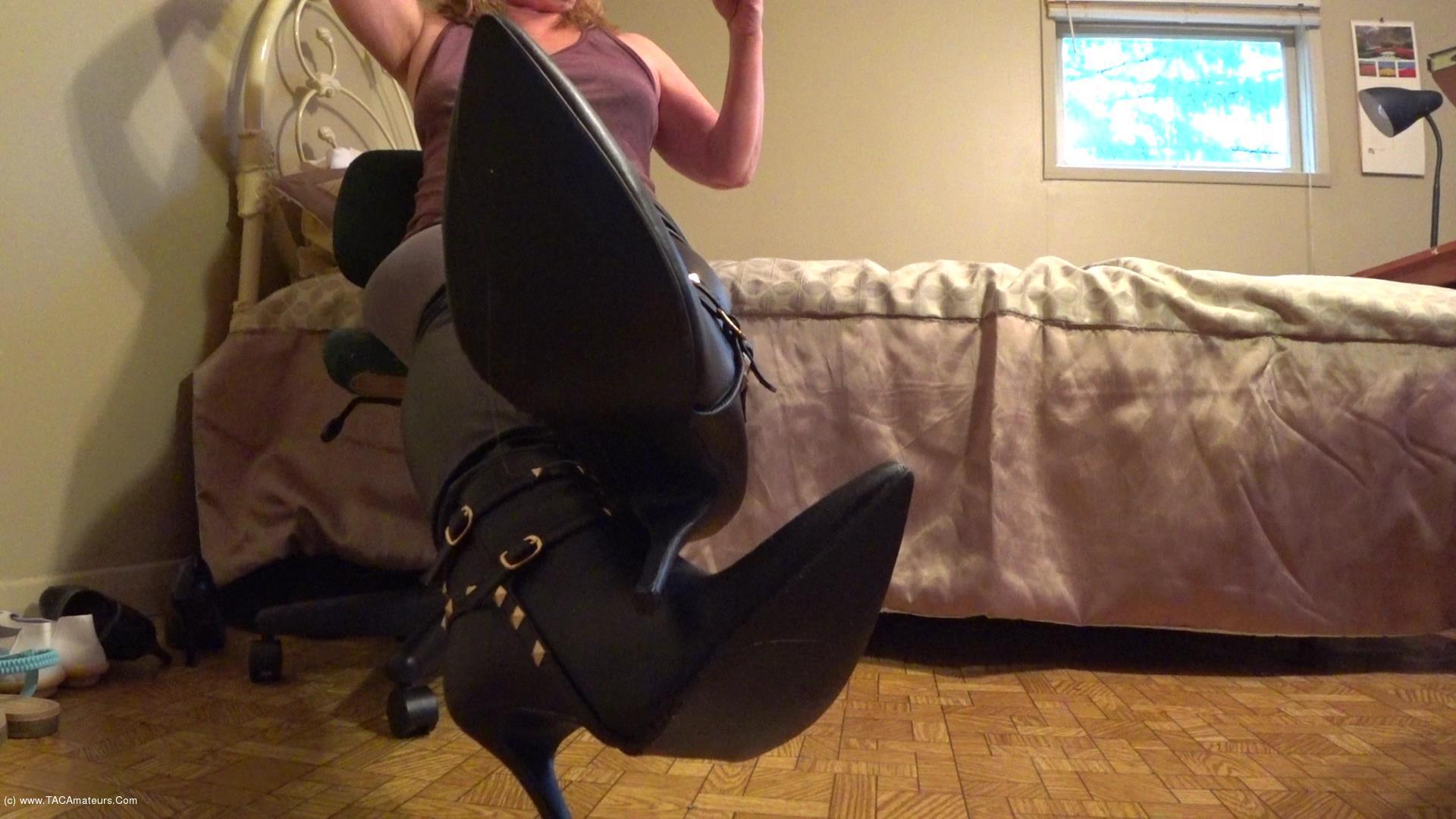 CougarBabeJolee - On Your Knees Bow & Serve My Sexy Leather Boots scene 1