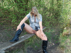 SweetSusi - In The Forest On The Bench Gallery