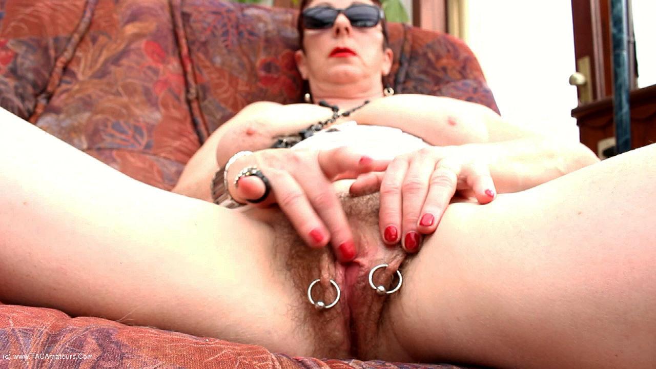 MaryBitch - Masturbation In White Boots Pt1 scene 1