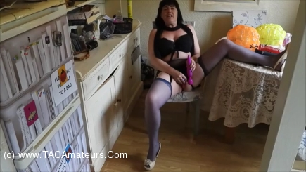 JuiceyJaney - Vicar Comes Round In His Fancy Dress & Catches Me Playing Pt scene 0