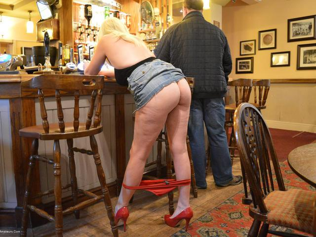 Barby Naughty In The Pub