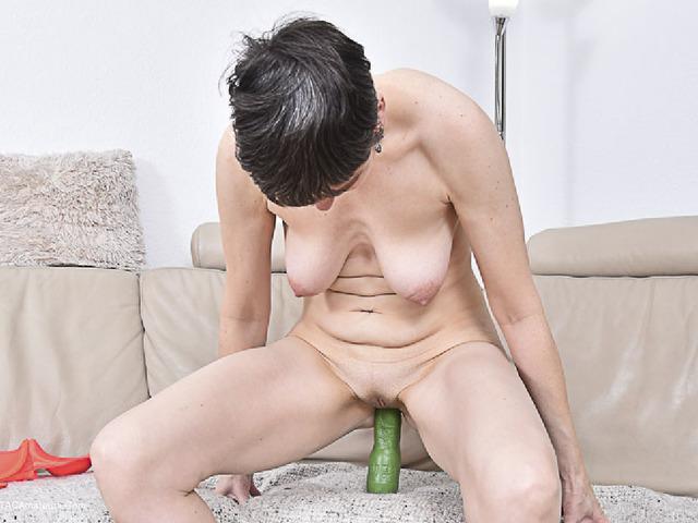 Green Dildo Pt2