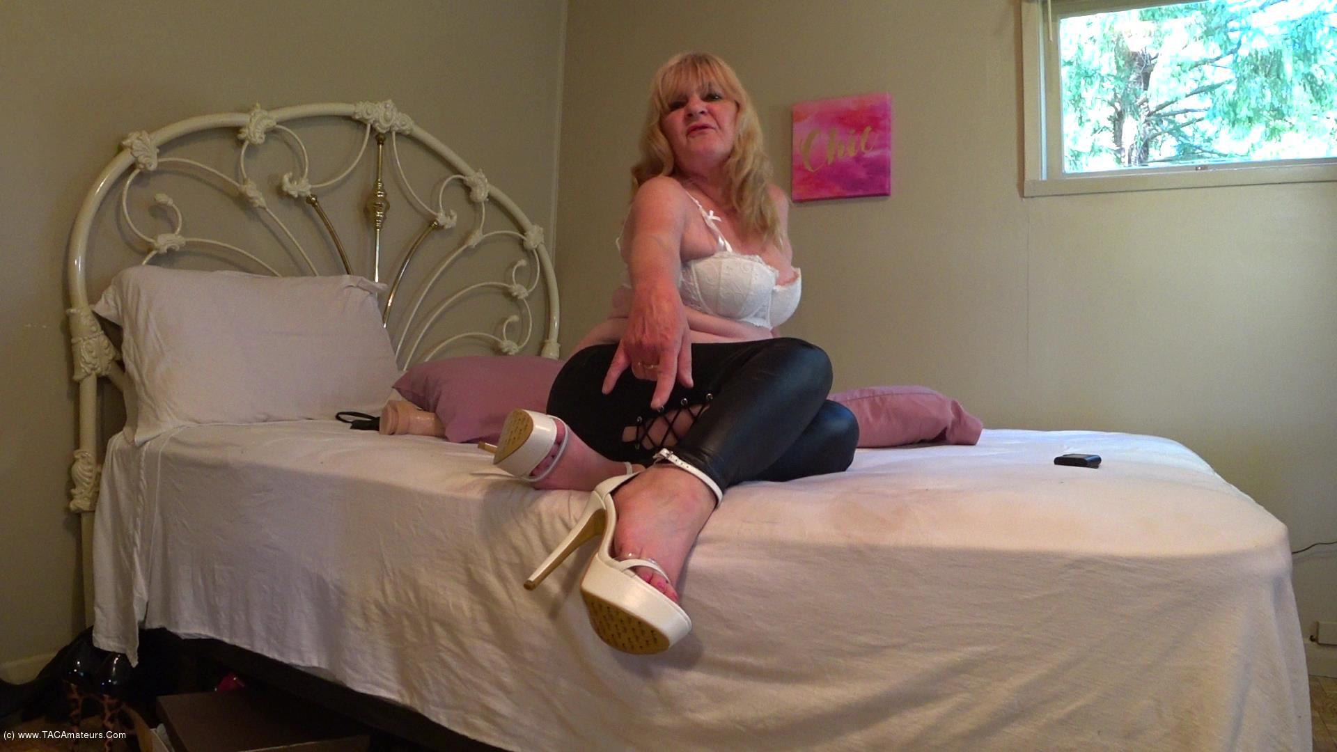 CougarBabeJolee - Worship Goddess In PVC Tight Pants & Killer Heels scene 1