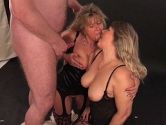 Sweet Susi - The Tail Enders Emptied At The Photo Shoot HD Video