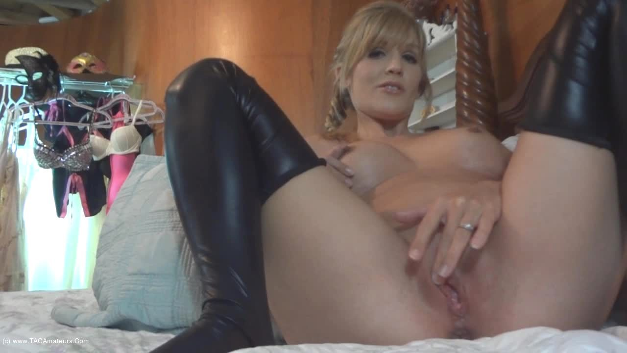 JoleneDevil - Grinding my pussy on his fucking face scene 1