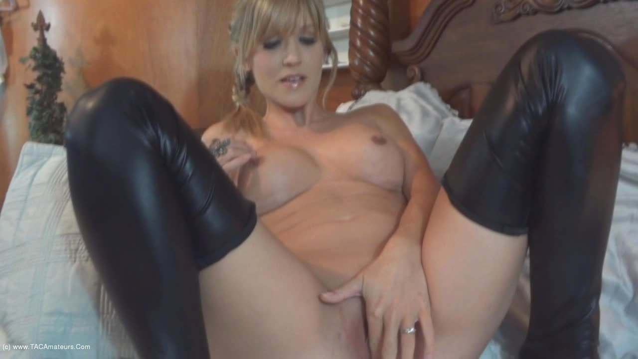 JoleneDevil - Grinding my pussy on his fucking face scene 2
