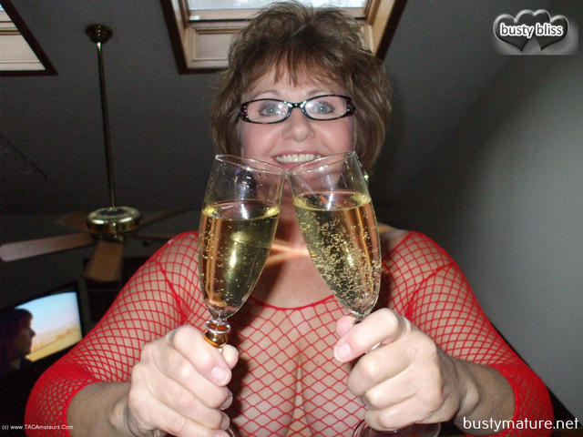 BustyBliss - Celebrate With Busty Bliss