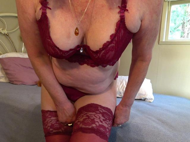 CougarBabeJolee - Panty Sniff Sniff Cum Get Some Hot Arse In Panties