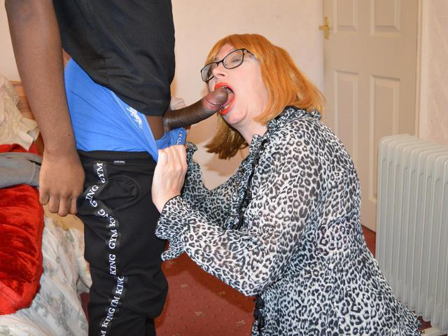 BarbySlut - Barby Gets Black Cock