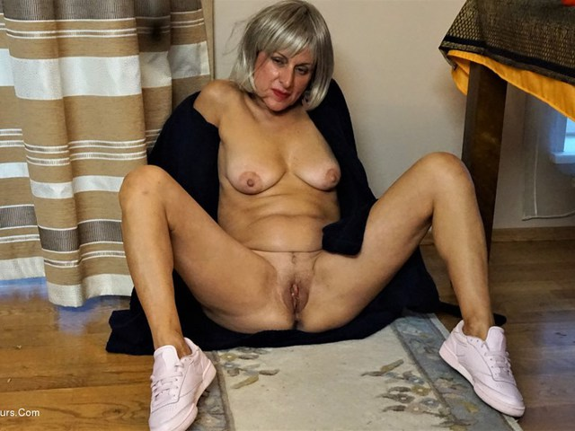 DianaAnanta - Blonde Wig Pt1