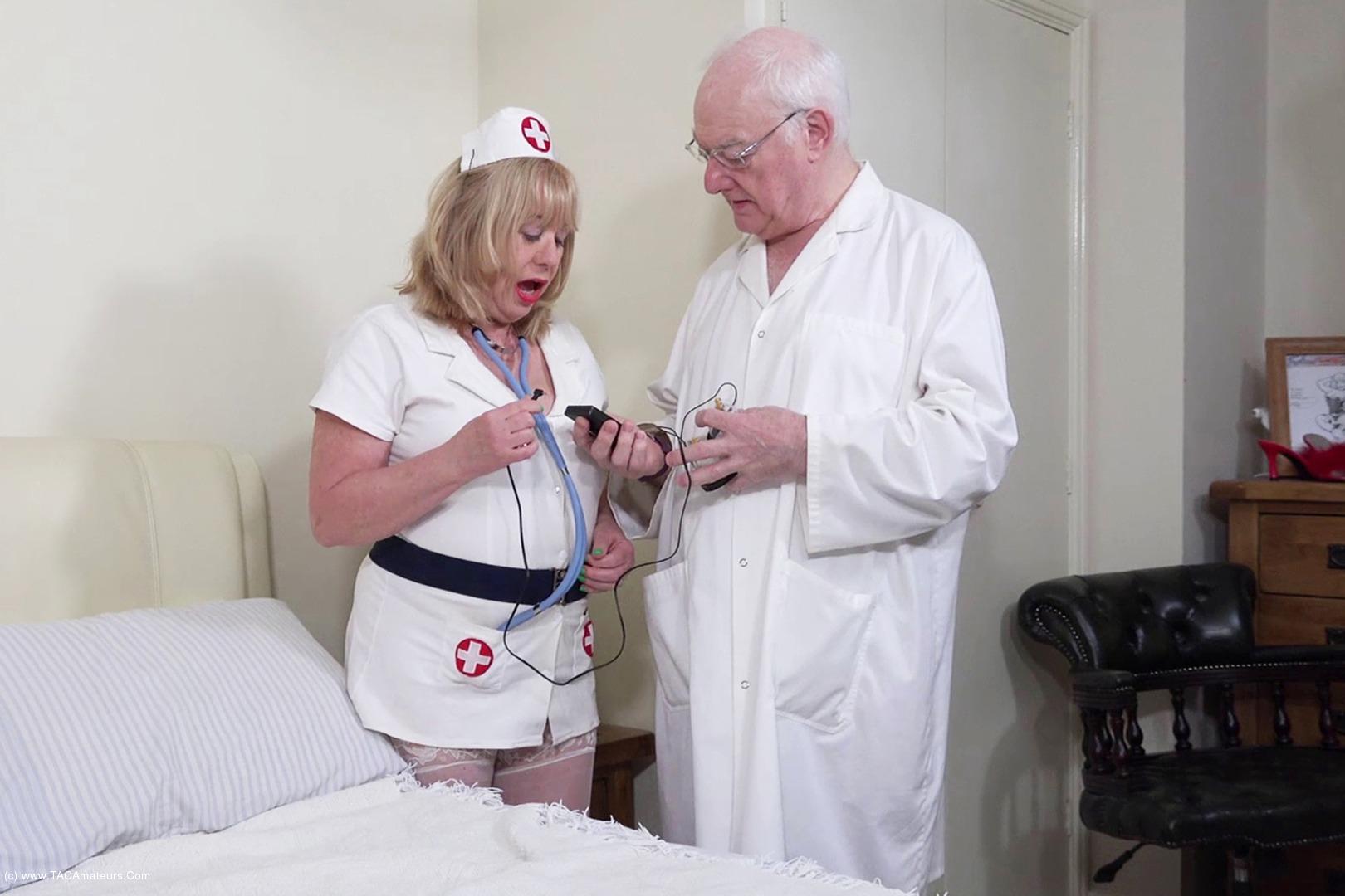 SpeedyBee - Electro Stimulation Pt1 scene 0