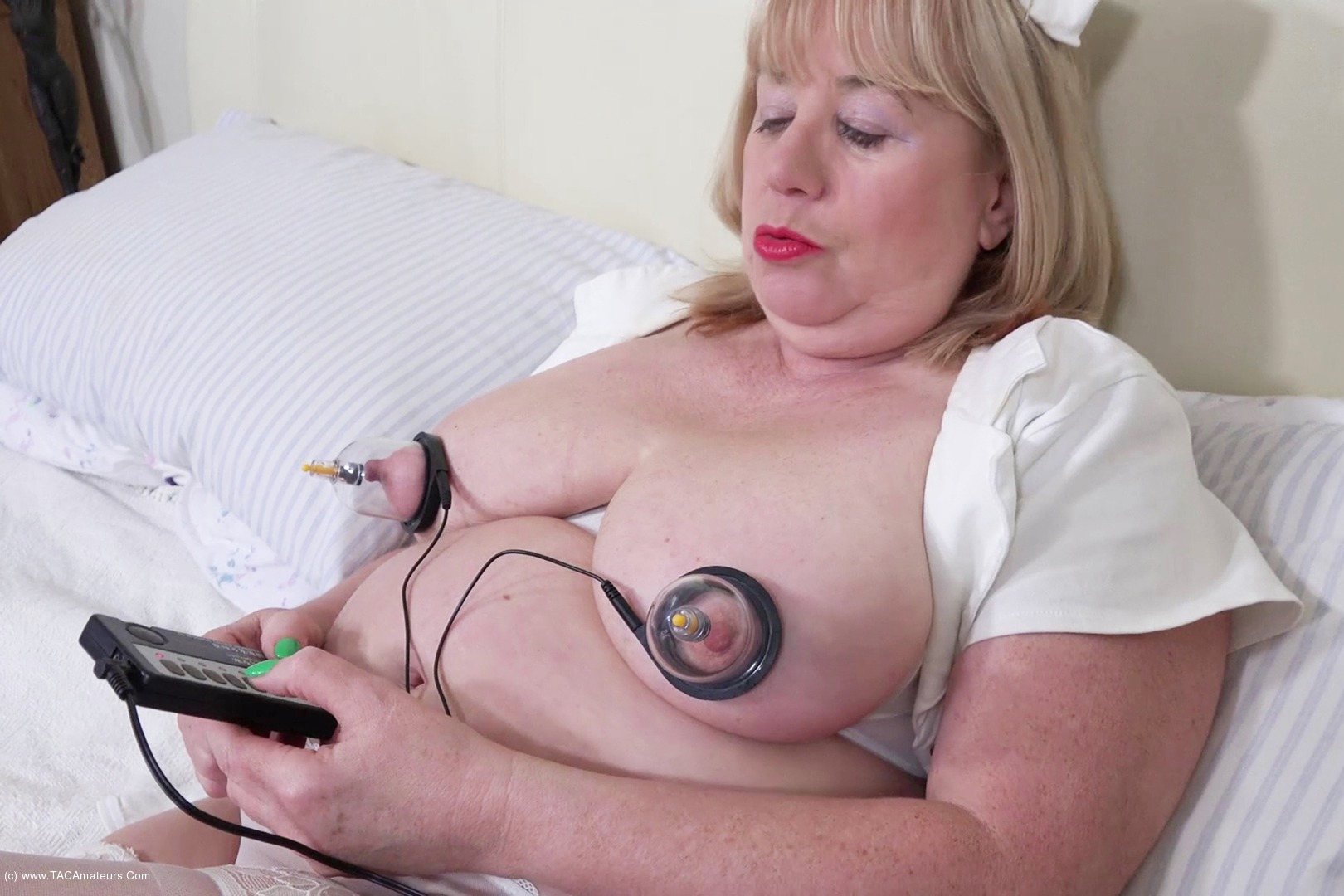 SpeedyBee - Electro Stimulation Pt1 scene 2