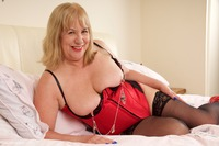 SpeedyBee - Red Bustier Free Pic 2