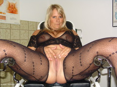 Sweet Susi - On The Gynie Chair Pt1 Gallery