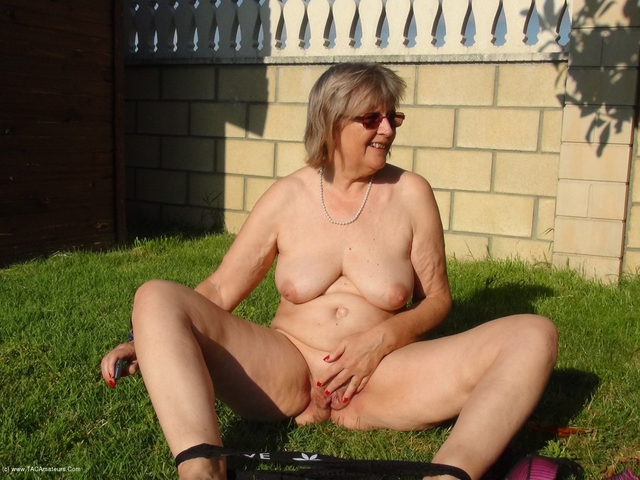 Outdoor Indoor - Horny Mature Cunt