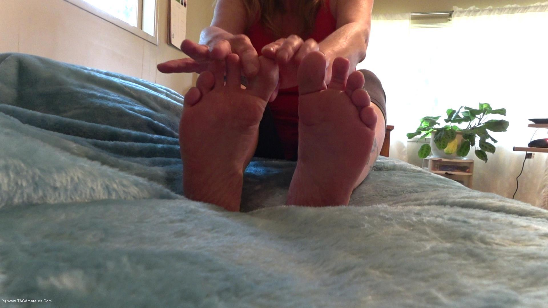 CougarBabeJolee - Sexy Toes To Worship, Wrinkled Soles To Lick scene 3