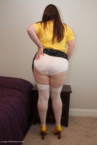 Missy - My Business Clothes Free Pic 3