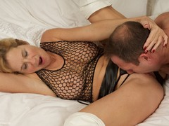 Molly MILF - Molly Meets Ben Pt1 Gallery