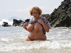 Curvy Claire - Surf's Up! Pt2 Gallery