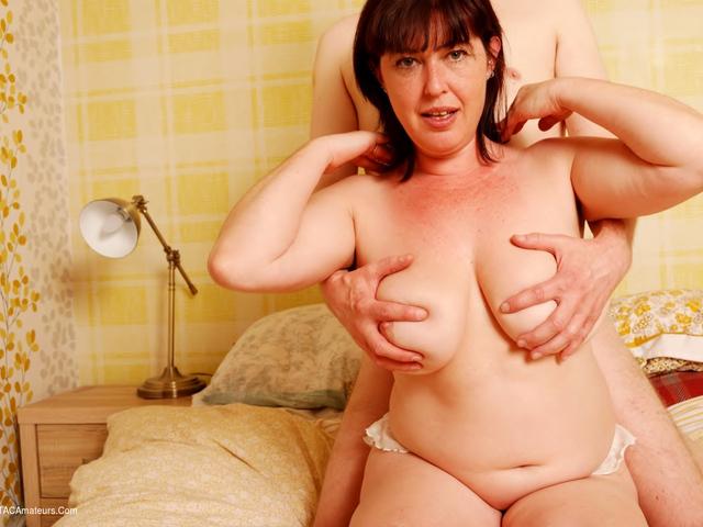 JuiceyJaney - Sex In The Bedroom Pt2