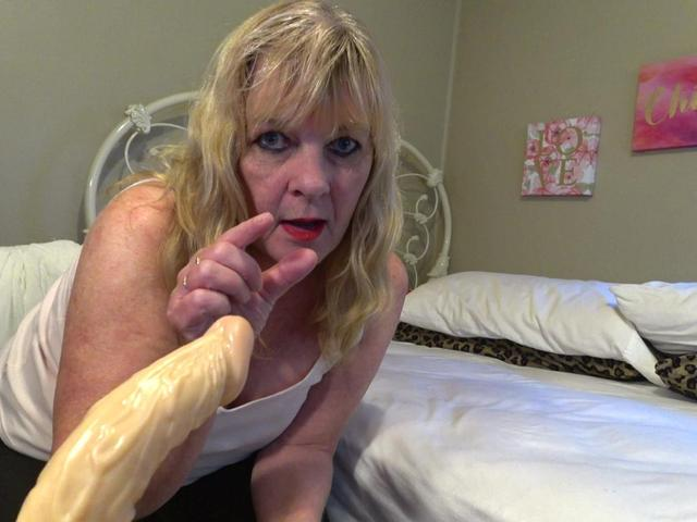 CougarBabeJolee - Little Dick Flicking  Laughing