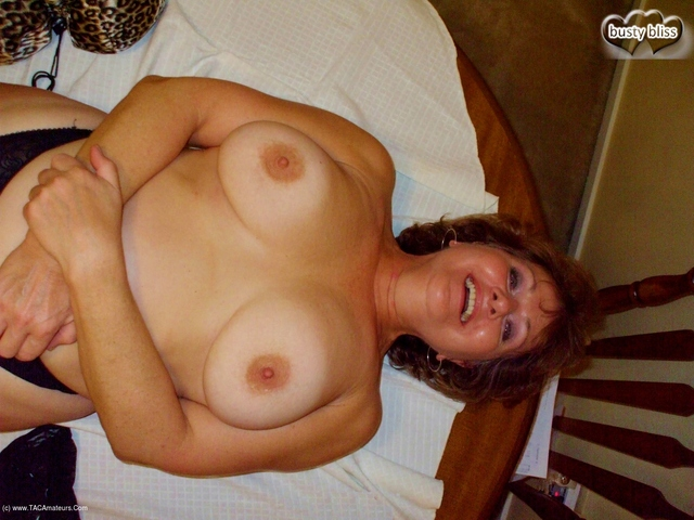 BustyBliss - Happy Thanksgiving To All You Sexies