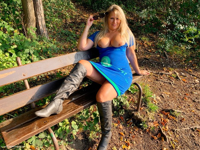 SweetSusi - Spread Legs On The Bench