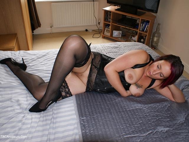 Jenna J In Under Bust Corrset & No Panties