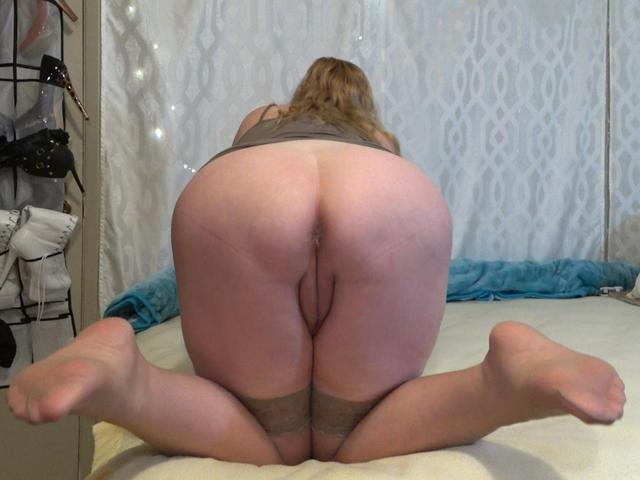 CougarBabeJolee - Jerk  Worship My Cute Arse