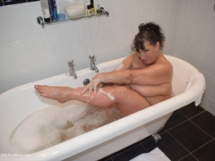 Phillipas Ladies - Busty Kim Takes A Bath Gallery