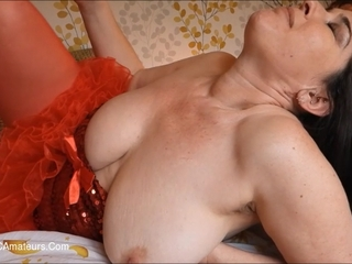 Juicey Janey - Lady In Red Playing With Her Cunt Pt1 HD Video