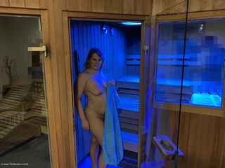 Sweet Susi - Sauna After The Workout Picture Gallery