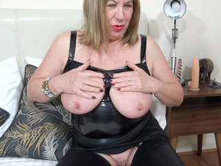 SpeedyBee - Black PVC Bustier Pt1 HD Video