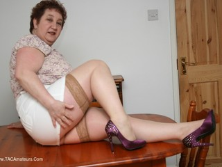 Kinky Carol - Eat Me On The Table Pt1 Picture Gallery