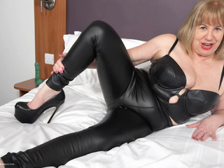 SpeedyBee - Black Leggings  Killer Heels Pt1 HD Video
