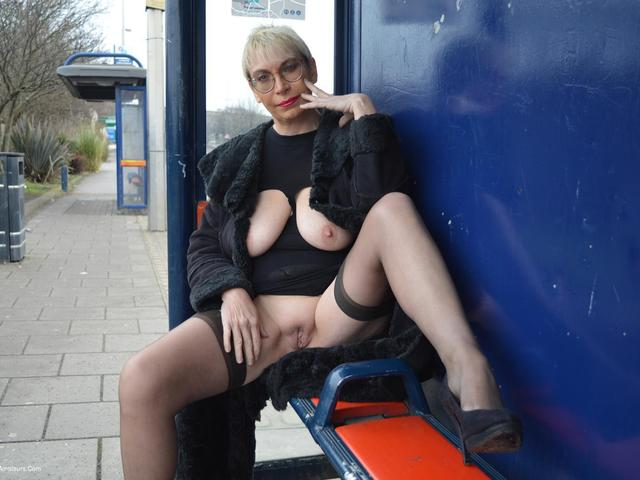 BarbySlut - Barby In Aston