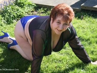 Kinky Carol - Back Yard Bikini Pt1 Picture Gallery