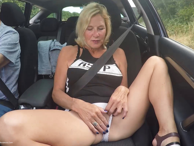 MollyMILF - Travelling To The Seaside Pt2